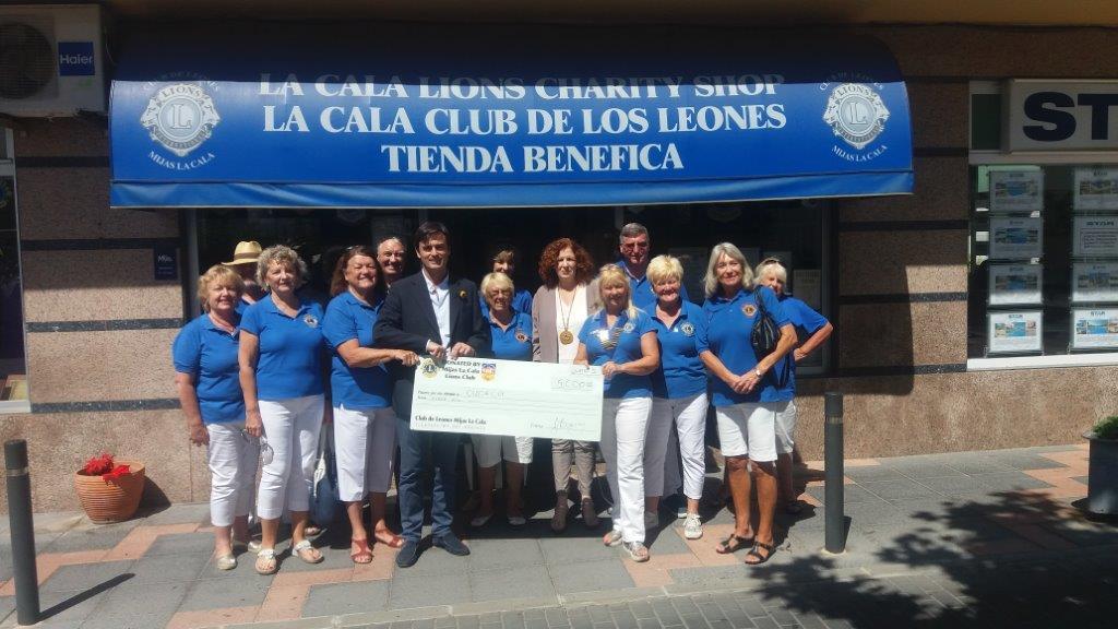 El Club de Leones de la Cala de Mijas dona a Cudeca 5.000€ para la compra de un generador eléctrico en al unidad de ingresos