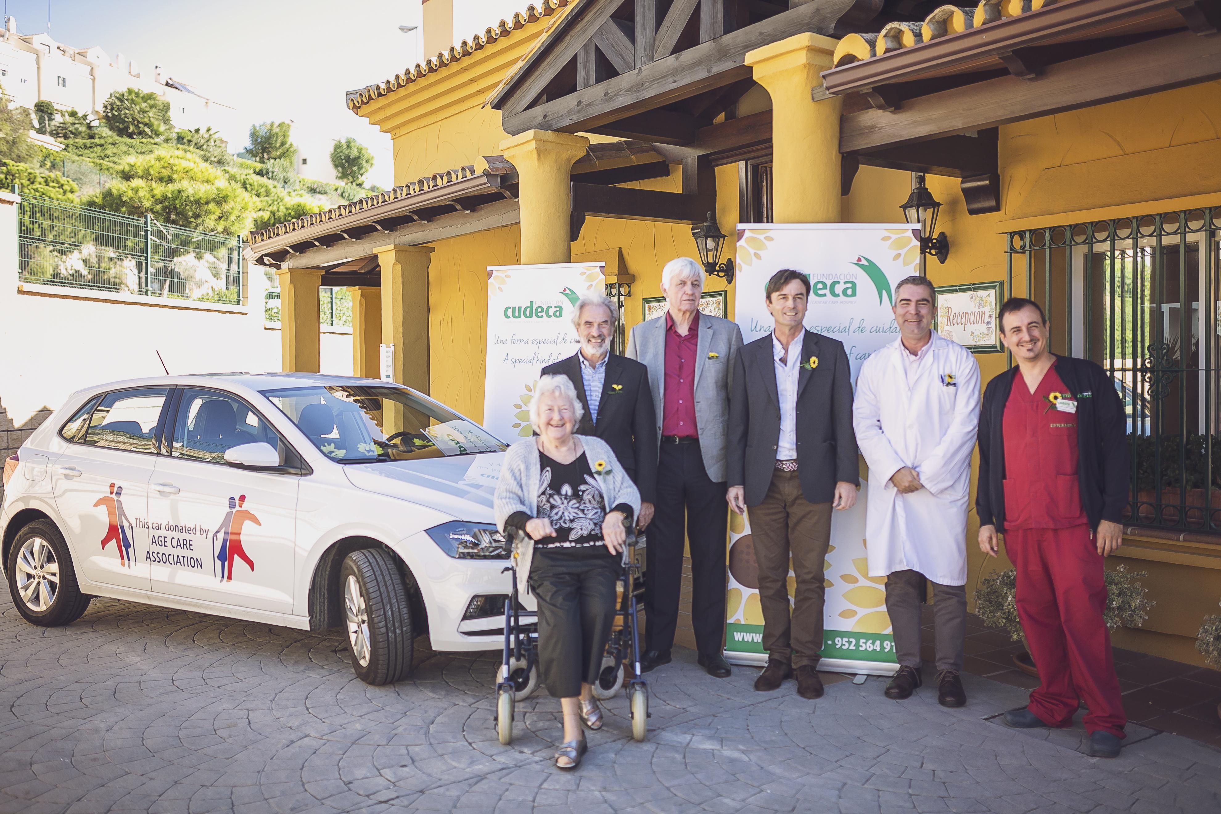 CUDECA presenta el coche patrocinado por Age Care