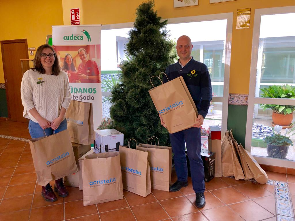 Acristalia donates Christmas gifts