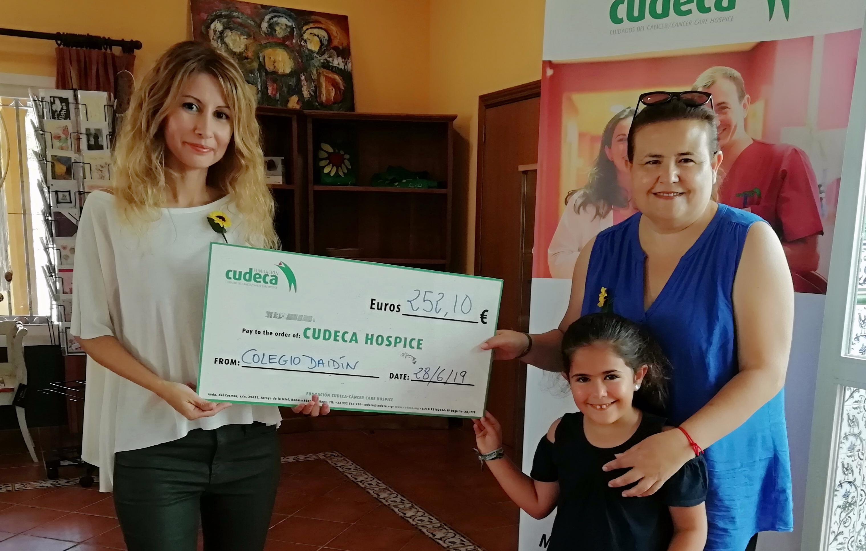 Tómbola Benéfica del Colegio «Daidín» a favor de CUDECA