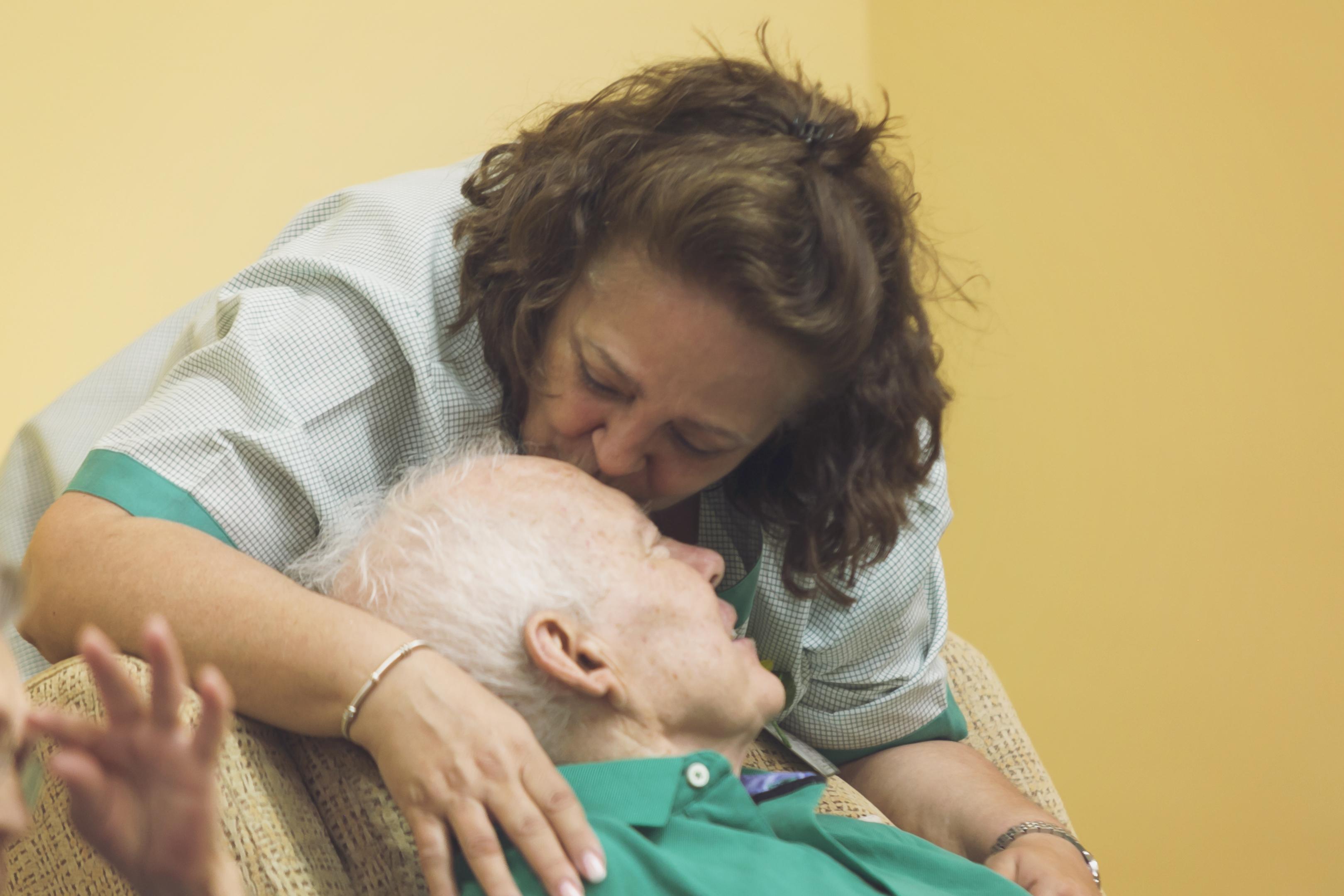 El Instituto Cudeca imparte un curso de acompañamiento espiritual a enfermeras del SAS
