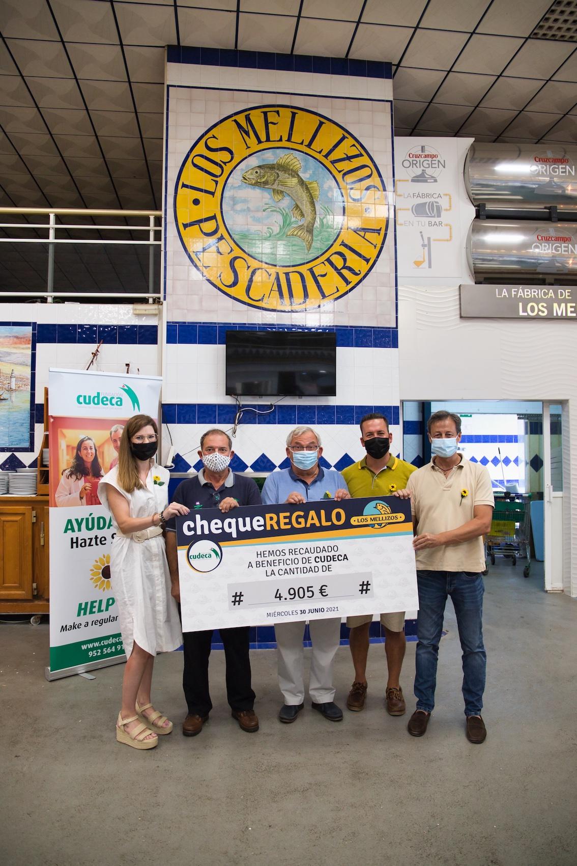 Los Mellizos Restaurants donate 4,905 euros to Cudeca in its Restaurants in Solidarity campaign.