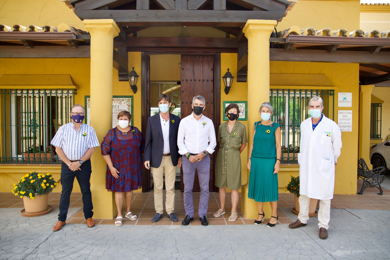 Mayor of Benalmádena, Víctor Navas, visits Cudeca and announces two important pieces of news
